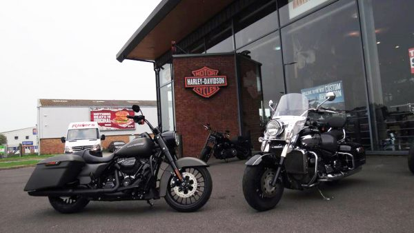 Road King VS Triumph Rocket 3 Touring by English Jim